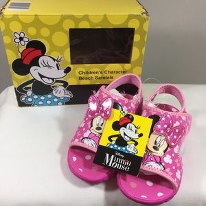 New in box toddler Minnie Mouse sandals